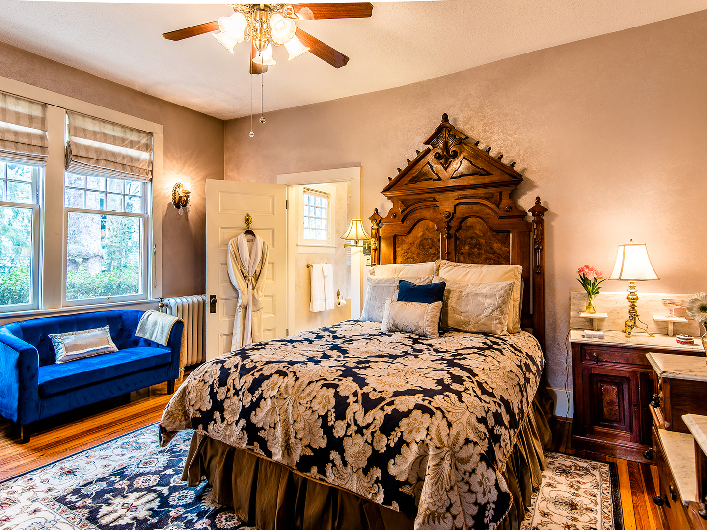 A bedroom with a large bed in a room at Cumberland Falls Bed and Breakfast Inn.