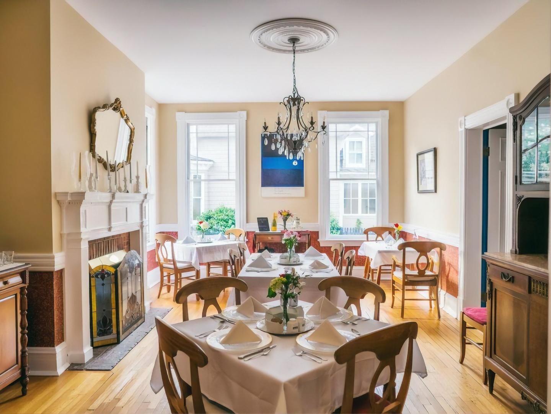 A dining room table at Hummingbird Inn.