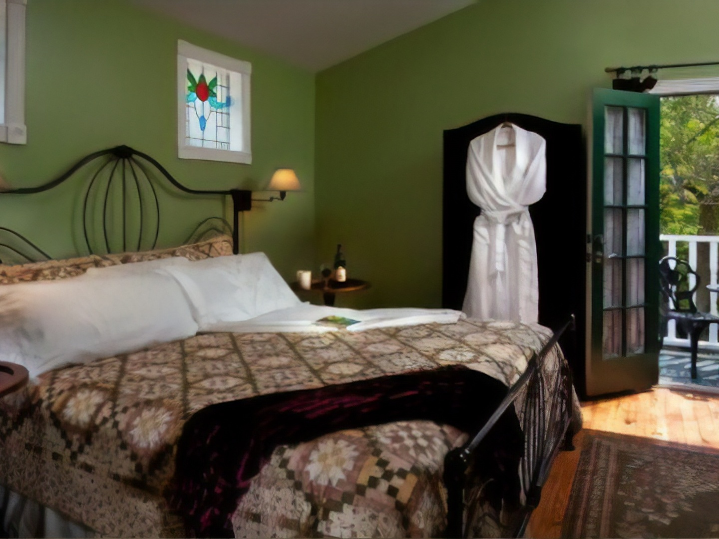 A bedroom with a bed in a room at White Oak Manor Bed and Breakfast.