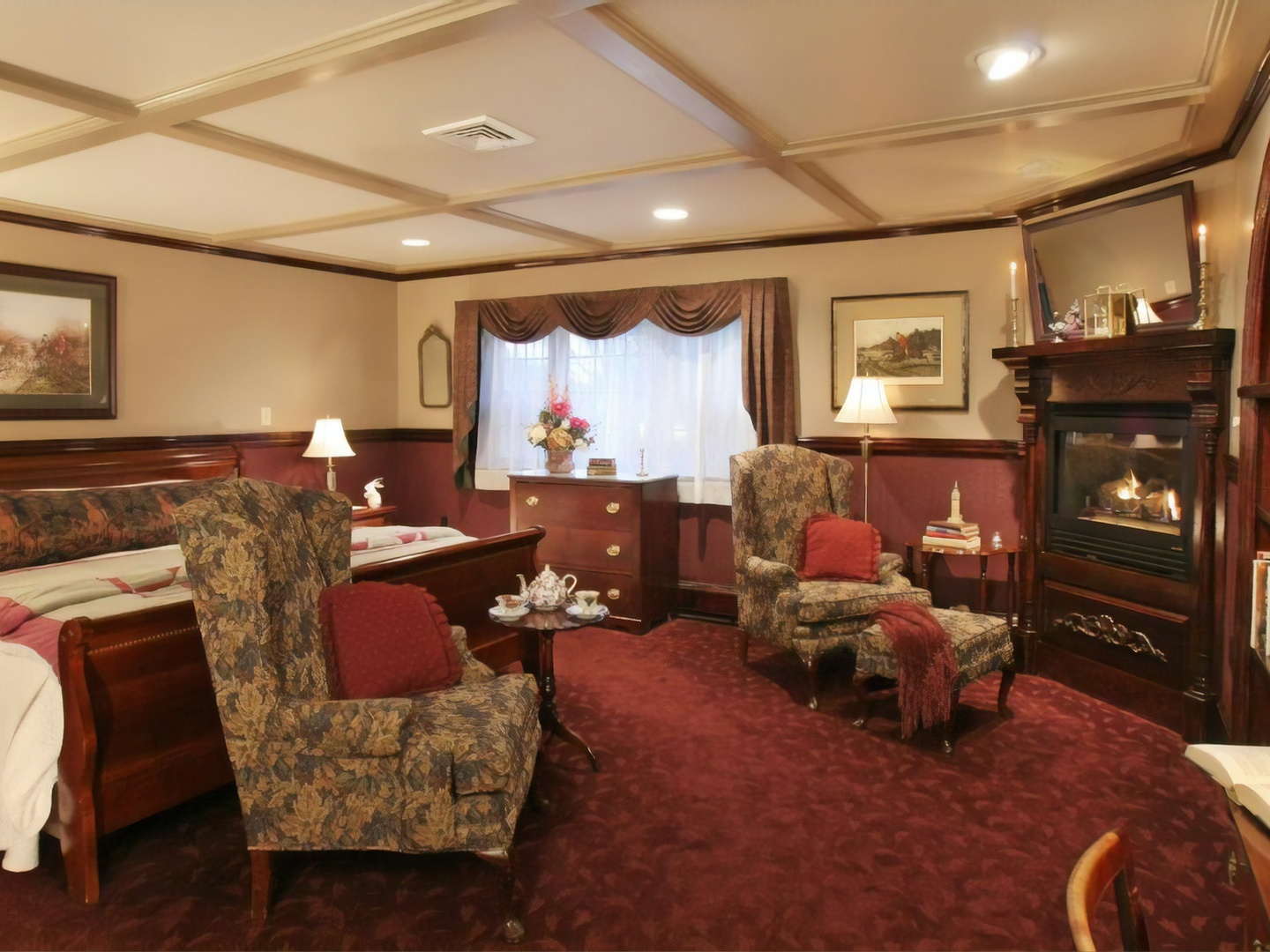A living room filled with furniture and a rug at Rabbit Hill Inn.