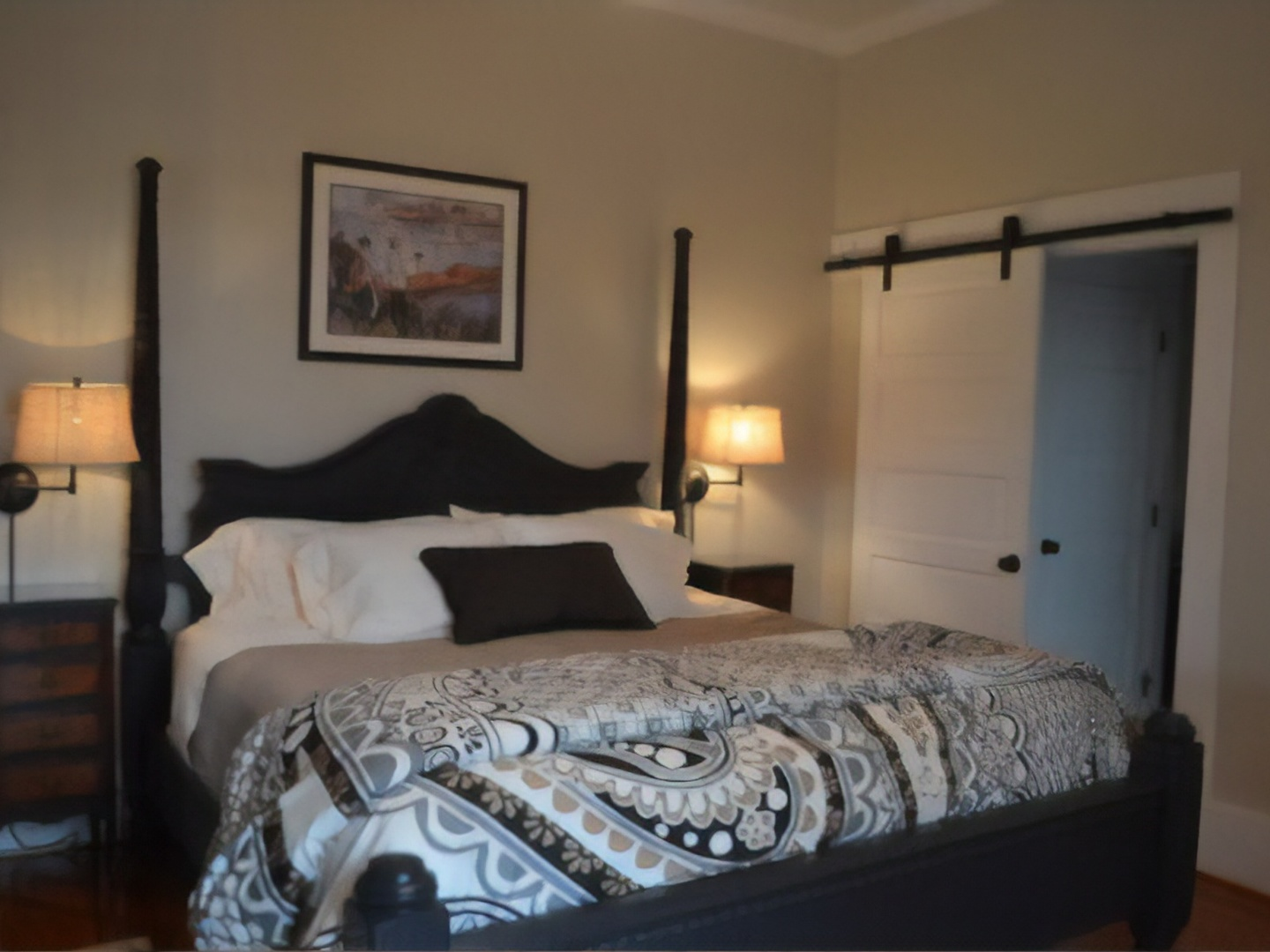 A double bed in a room at Inn at Blackberry Creek.