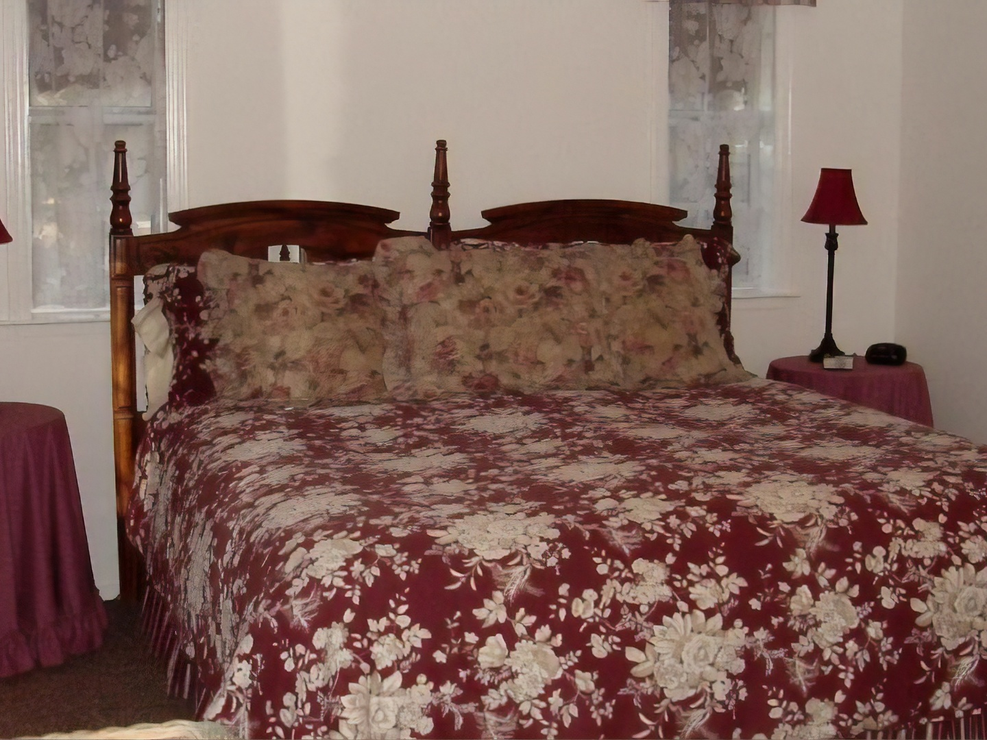 Ahwahnee Bed and Breakfast