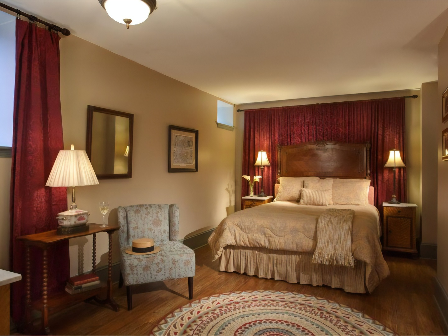 A bedroom with a large bed in a hotel room at Lafayette Inn.