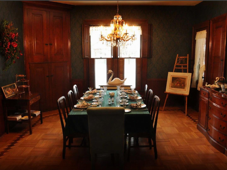 A dining room table at White Swan Inn B&B.