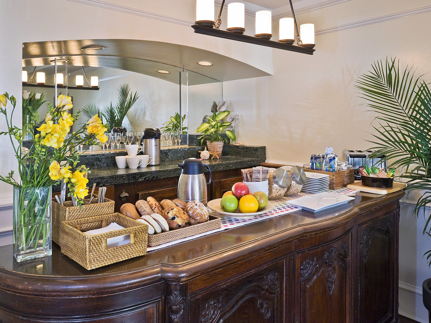 A kitchen filled with lots of counter space at Newport Beach Hotel, A Four Sisters Inn.