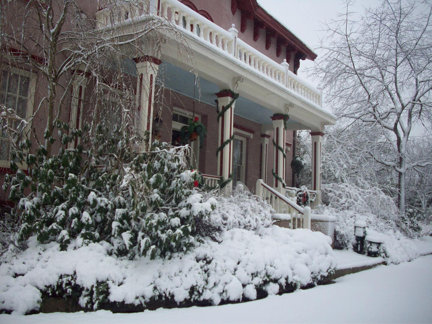 A house covered in snow at Doctor's Inn.