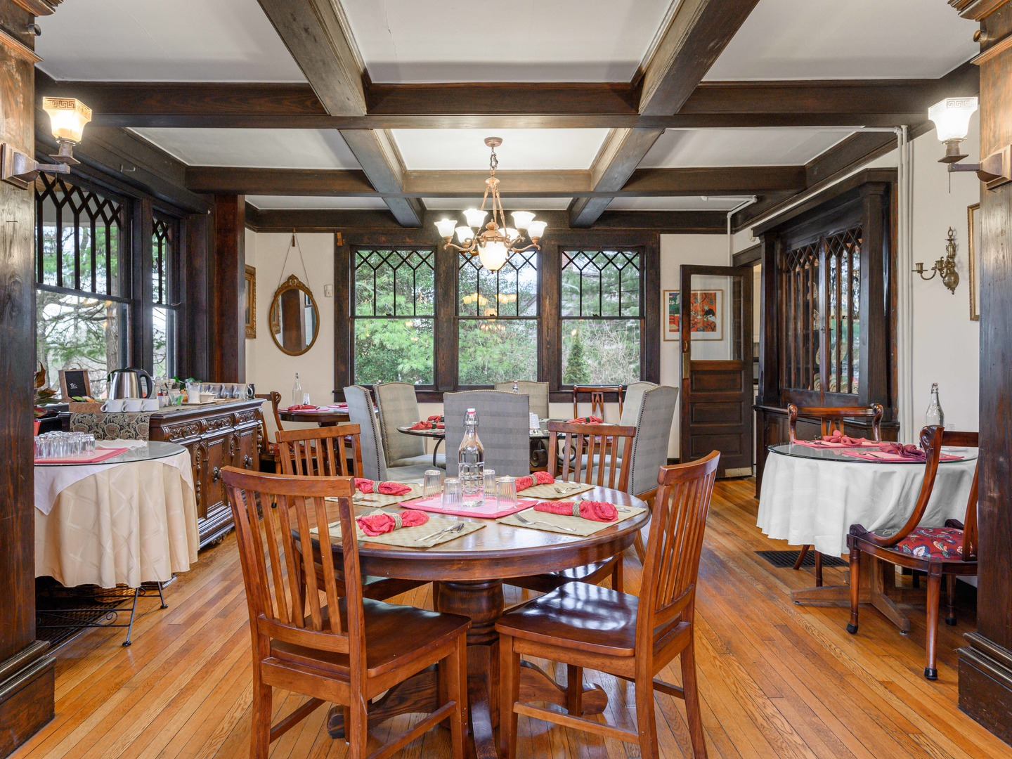 A dining room table at Oakland Cottage Bed and Breakfast.