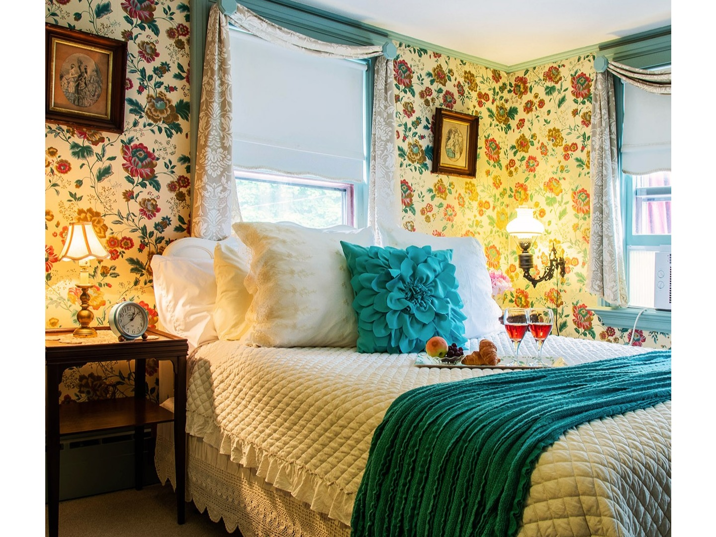 A bedroom with a bed in a room at Westbrook Inn Bed & Breakfast.