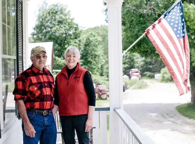 Beth  and Bob Kennett Innkeeper Photo