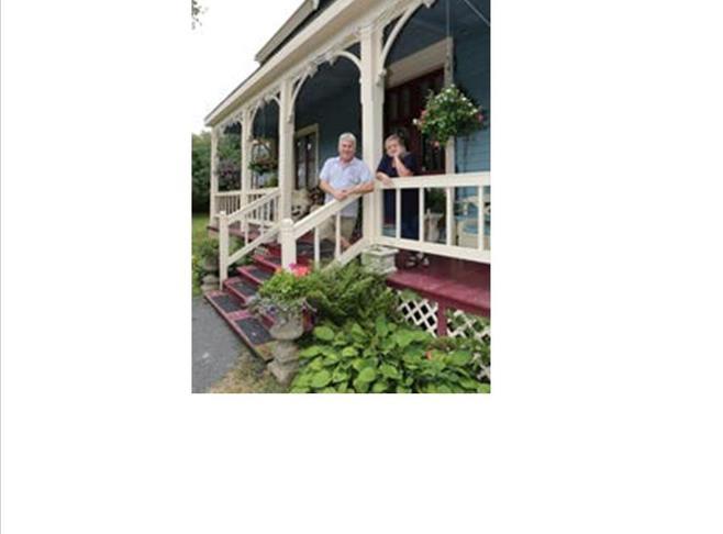 Neil and Darlene Welcome you! Innkeeper Photo