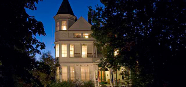 Phipps Inn Bed & Breakfast