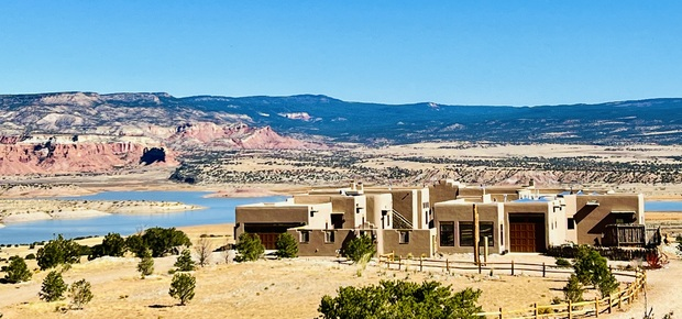 Abiquiu Lake: The Grand Hacienda B&B