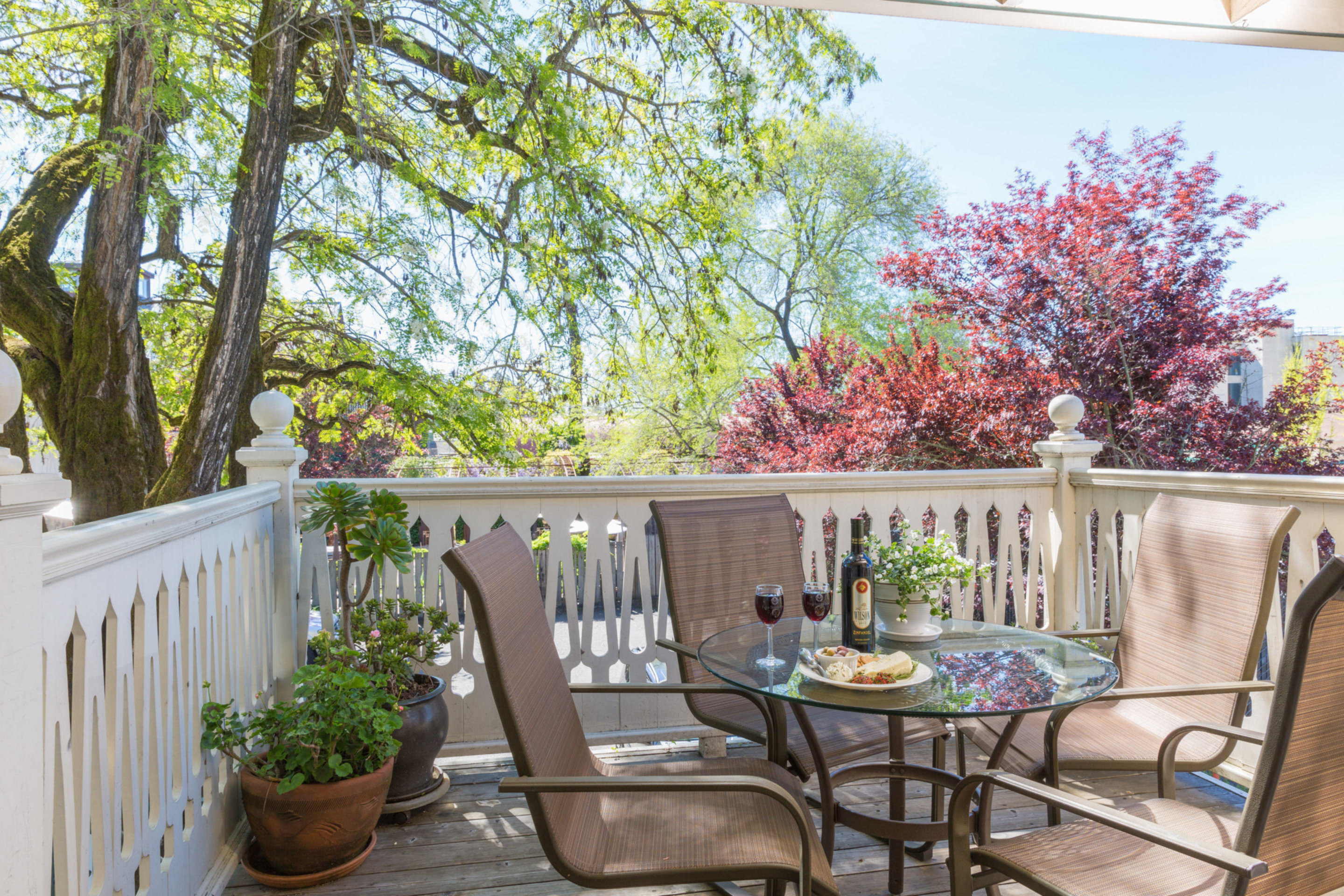 Healdsburg Bed and Breakfast