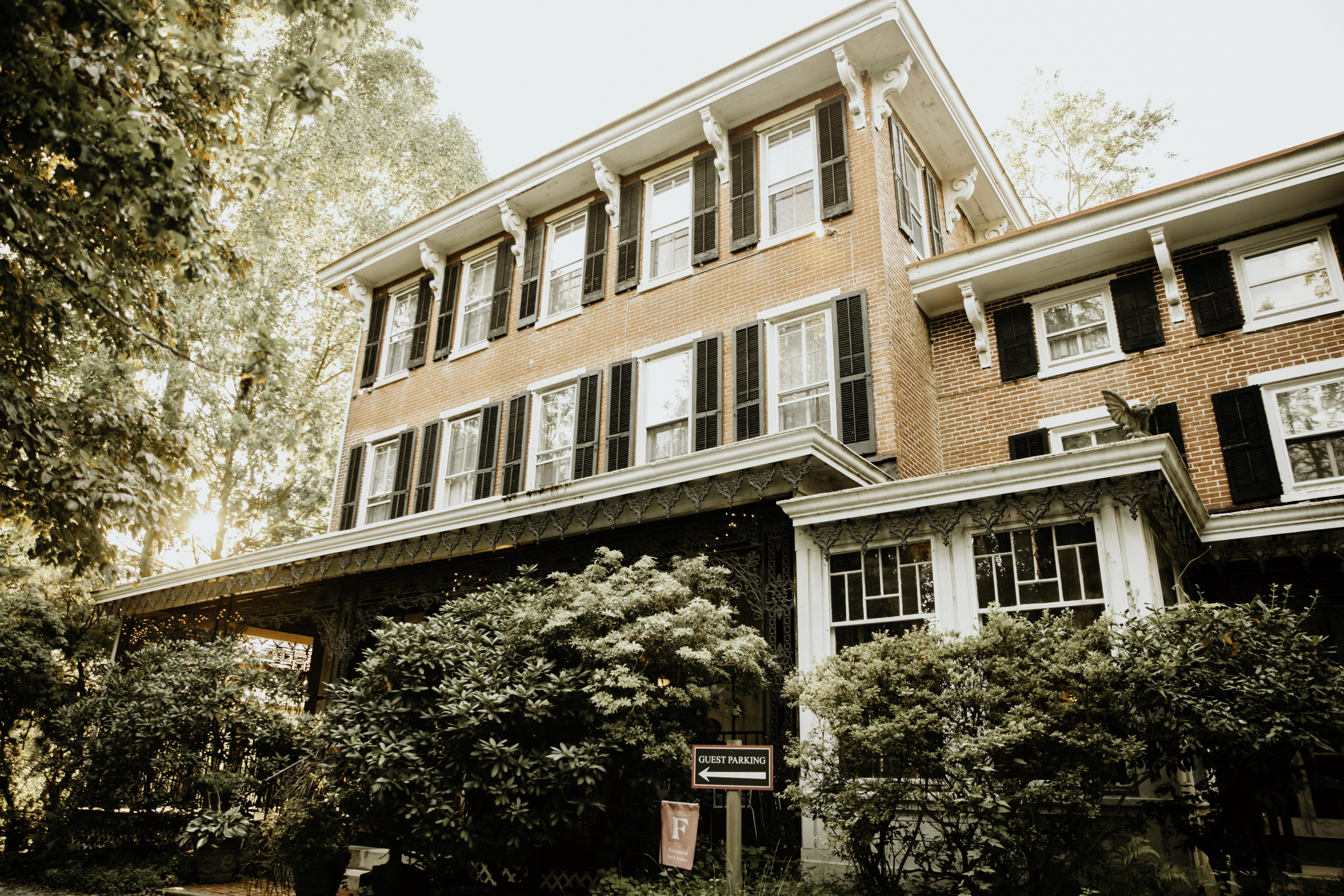 A large brick building at Faunbrook Bed & Breakfast.