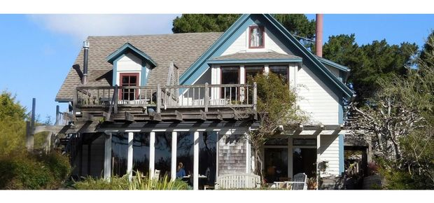 Alegria Oceanfront Inn & Cottages