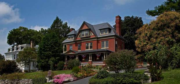 B.F. Hiestand House Bed and Breakfast