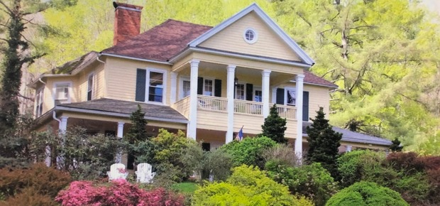 The Yellow House Bed and Breakfast