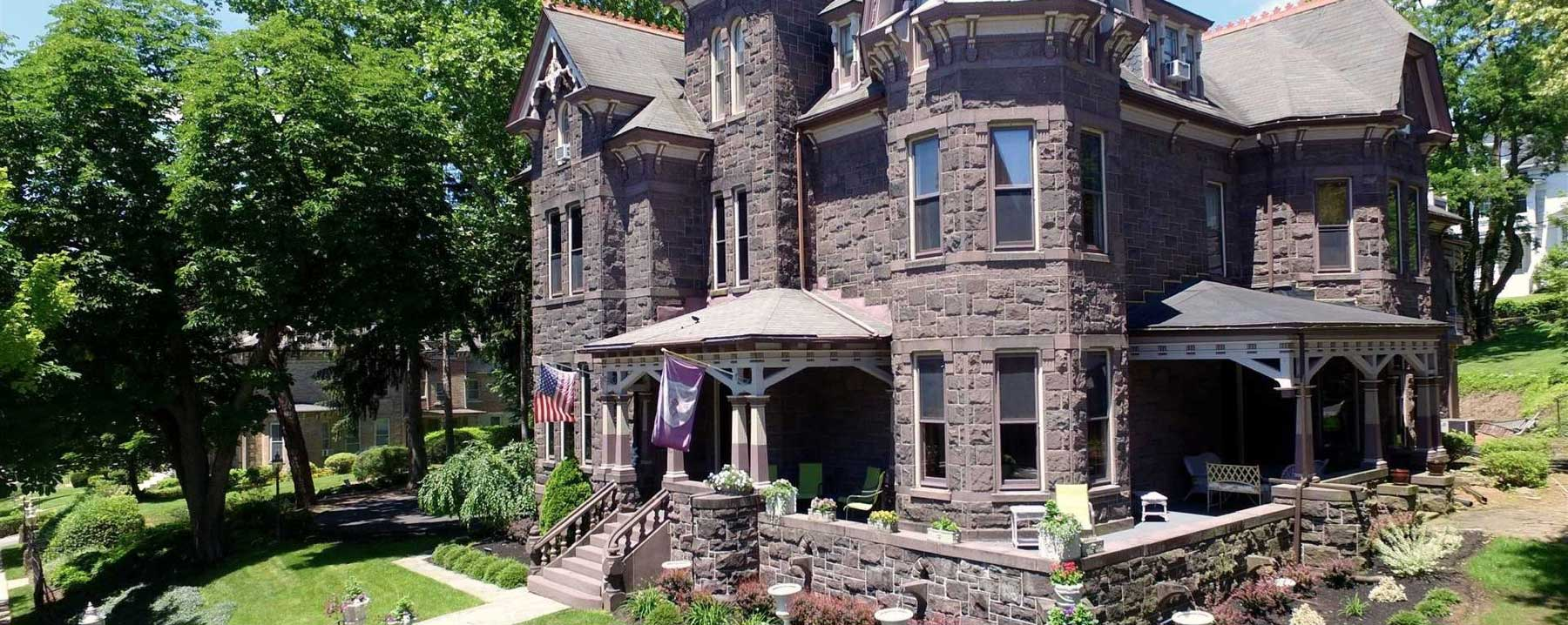 An old stone building at Reynolds Mansion Bed and Breakfast.
