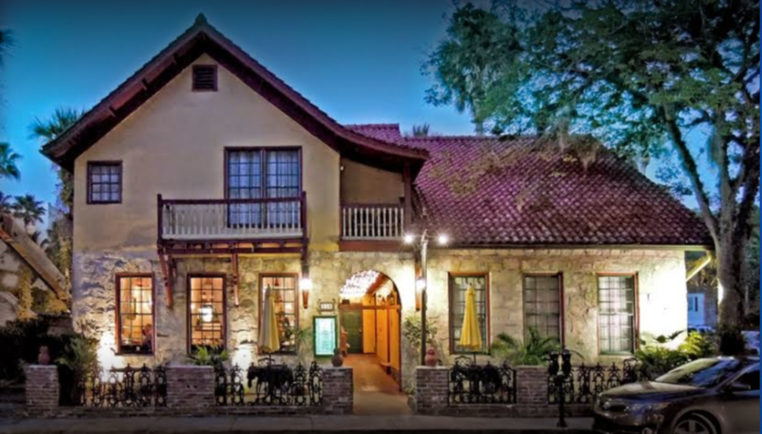 A view of a house at Old City House Inn & Restaurant.