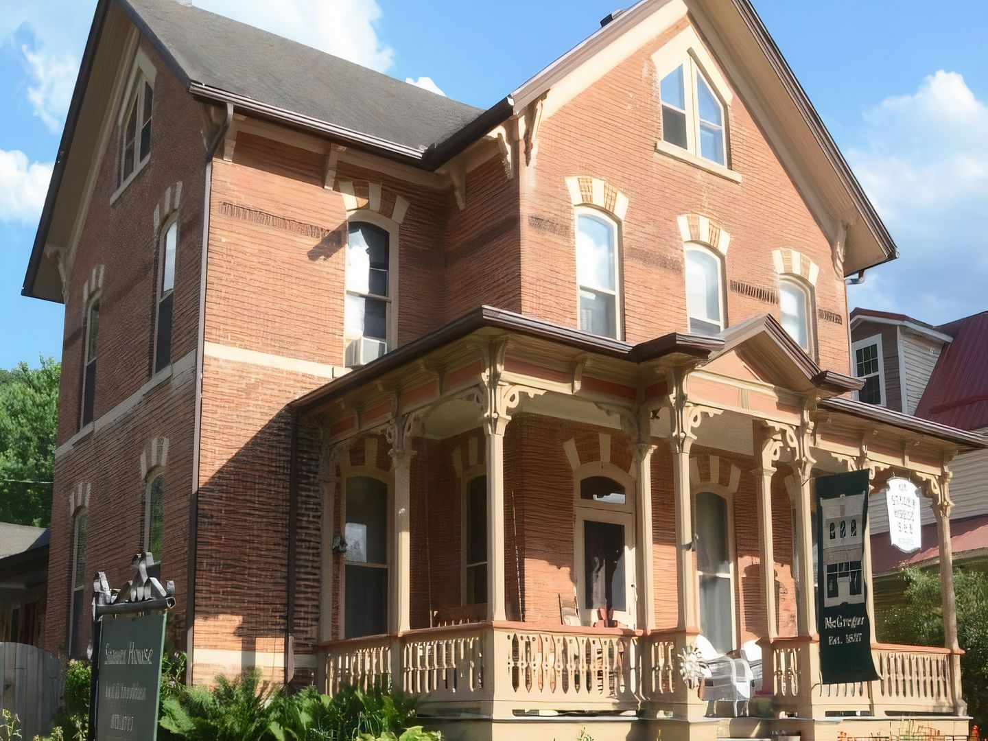 A large brick building at Stauer House Bed and Breakfast.