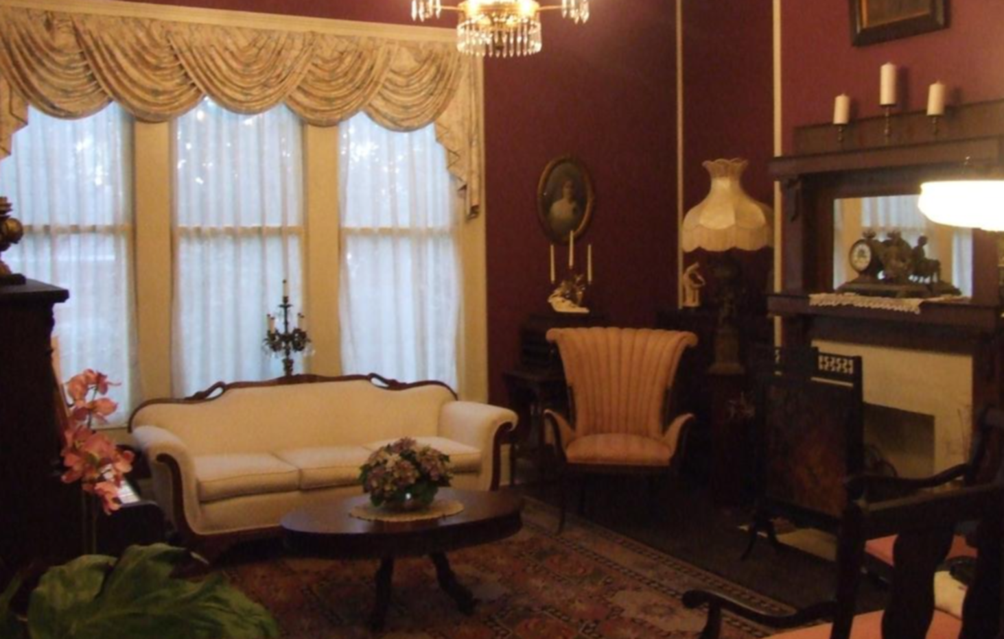 A room filled with furniture and a fireplace at The Jewell of Vienna.