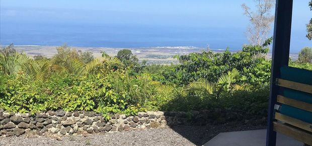 Holualoa, HI, USA Bed and Breakfast