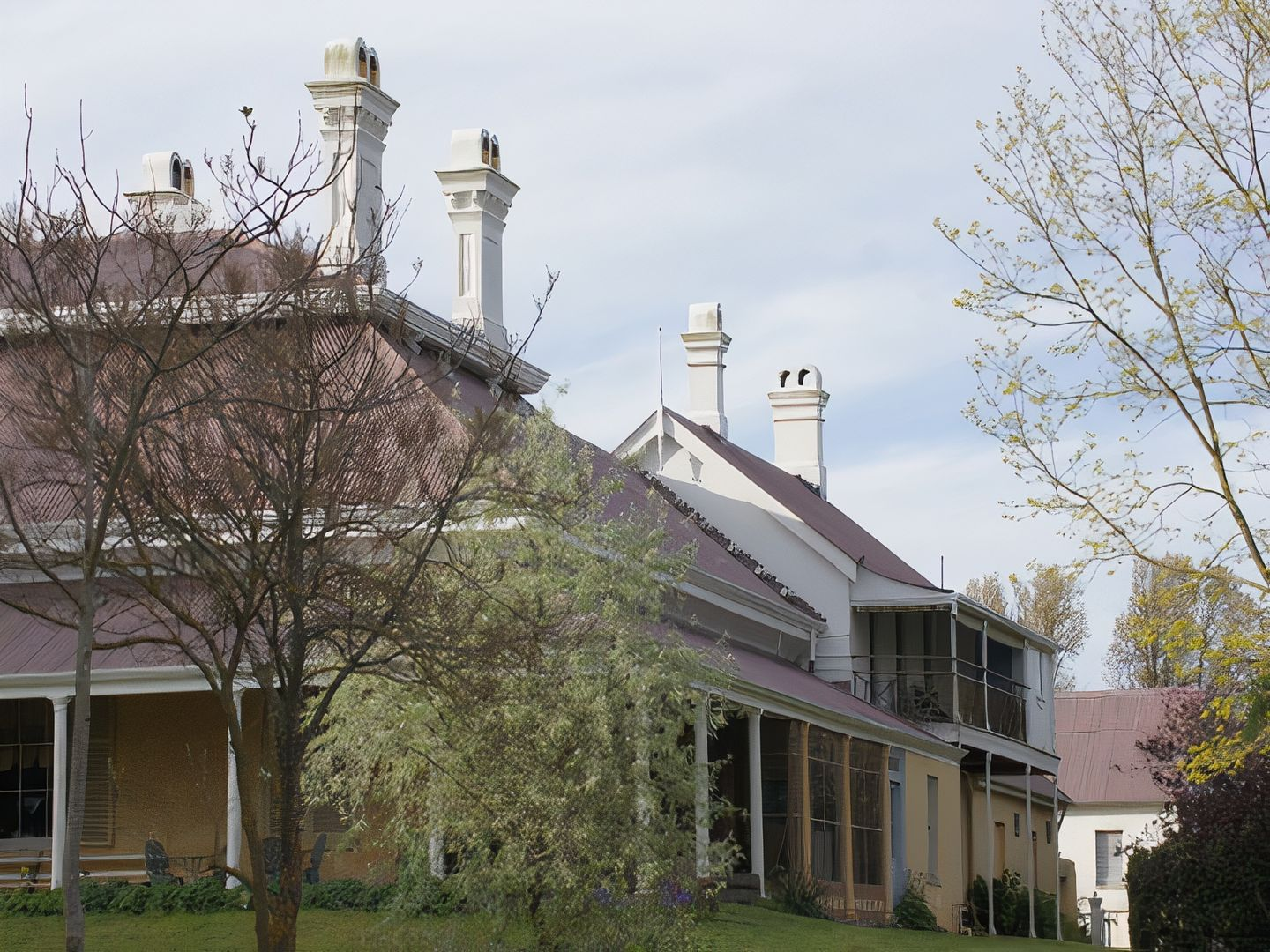 A large white building at Bedervale Historic Homestead.