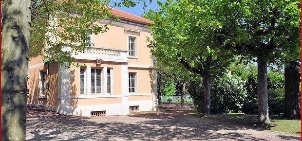 """Chambres d'Hôtes et Gîtes """"Villa Castel"""" près de Lyon"""