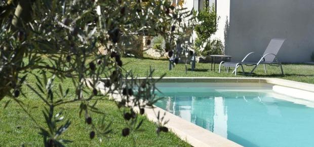 La maison de Bécaras au pied du Mont Ventoux