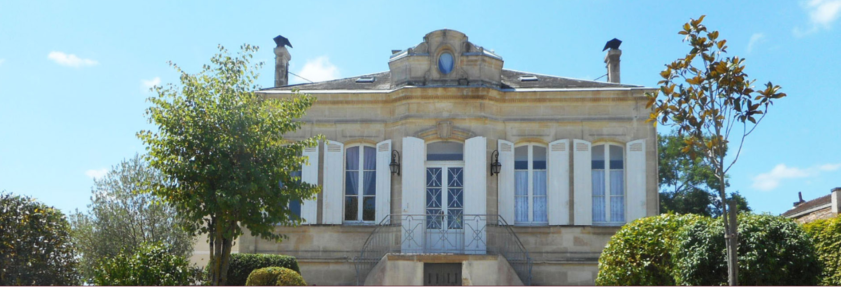 A large stone building at Château Papounan.