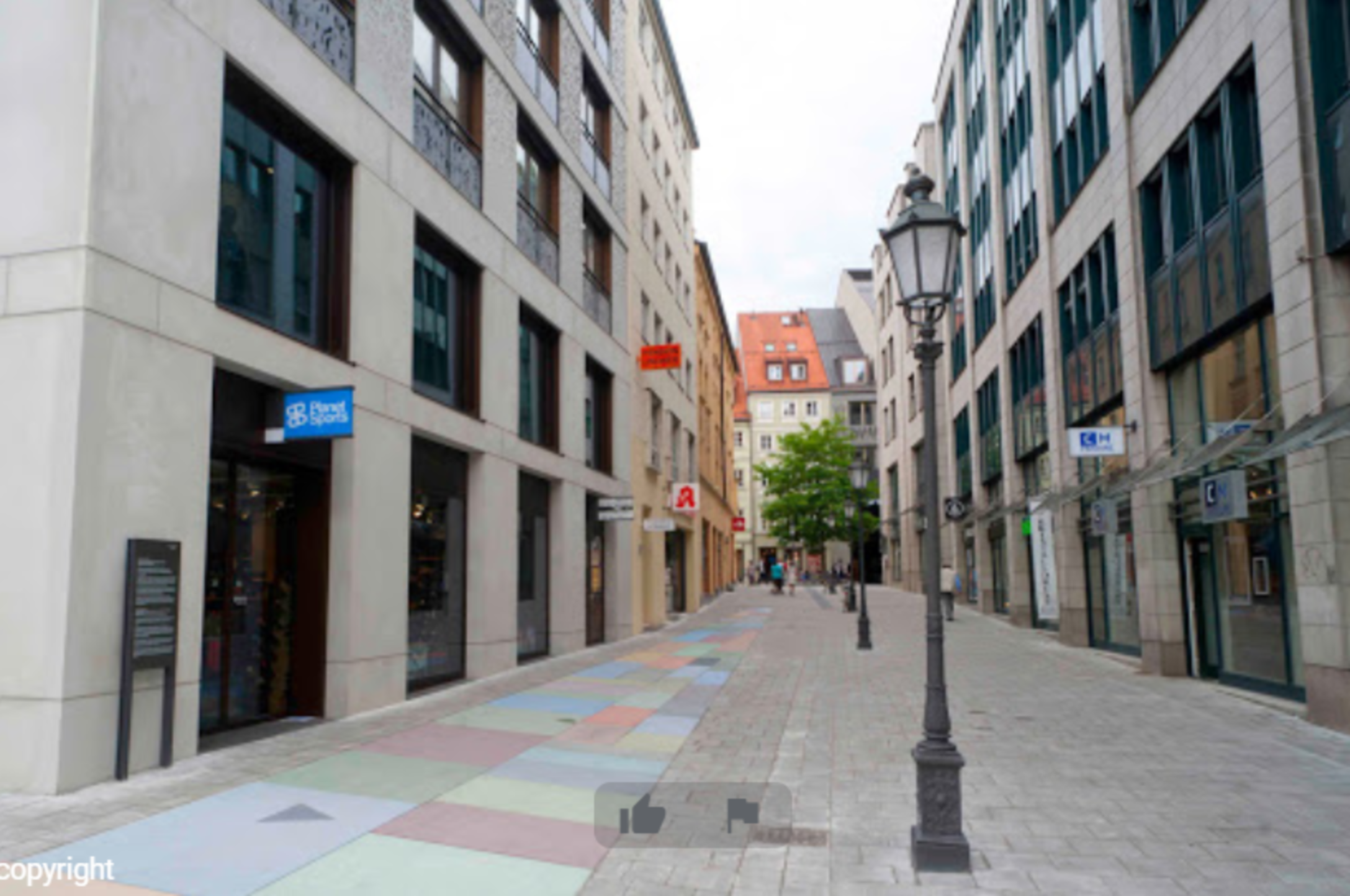 A close up of a busy city street at Pension am Jakobsplatz.
