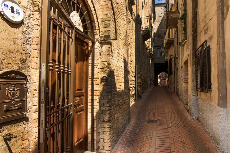 A stone building at B&B Porta Della Noce.