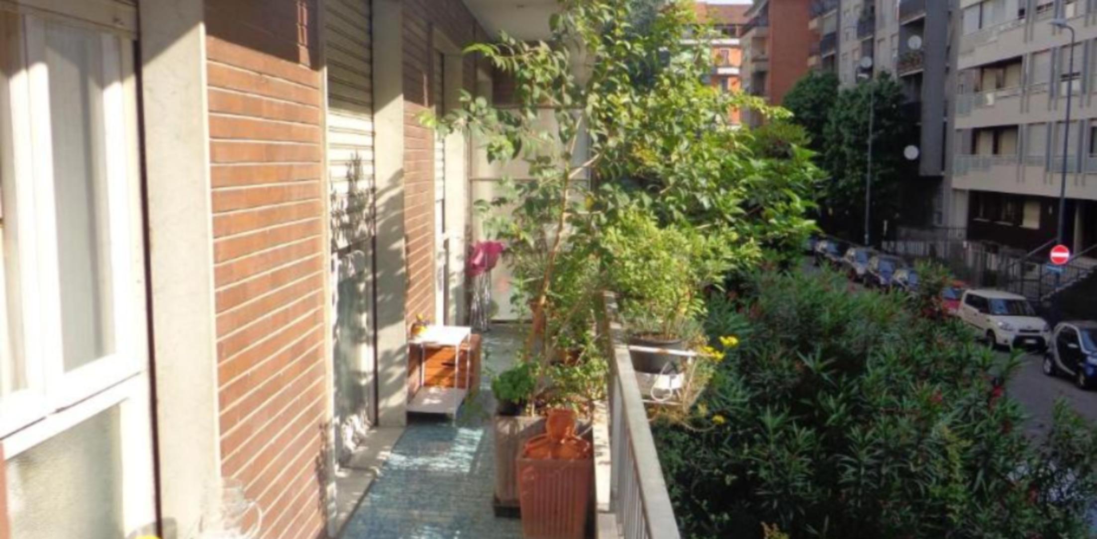 A close up of a brick building at Mata Guesthouse Milano.