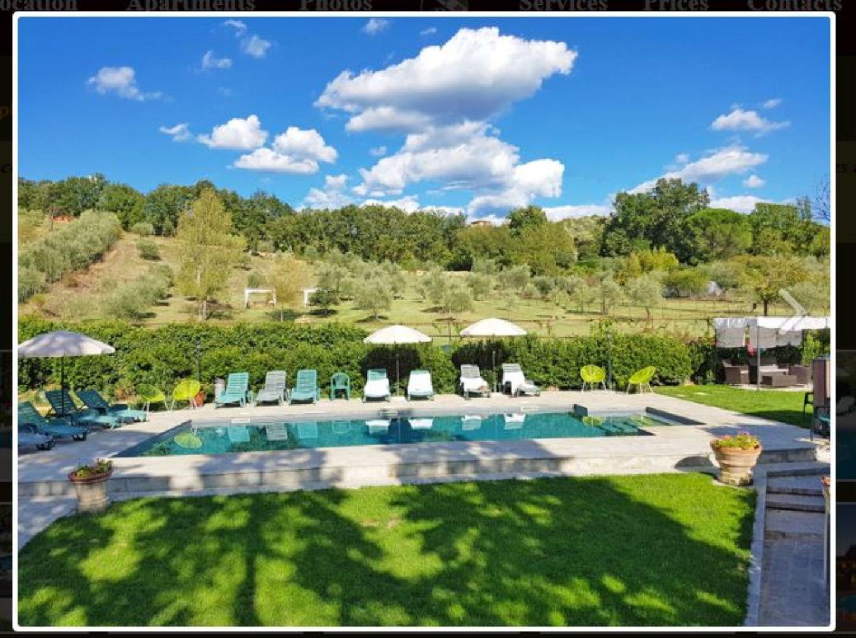 A resort in the grass at Villa Cafaggiolo.
