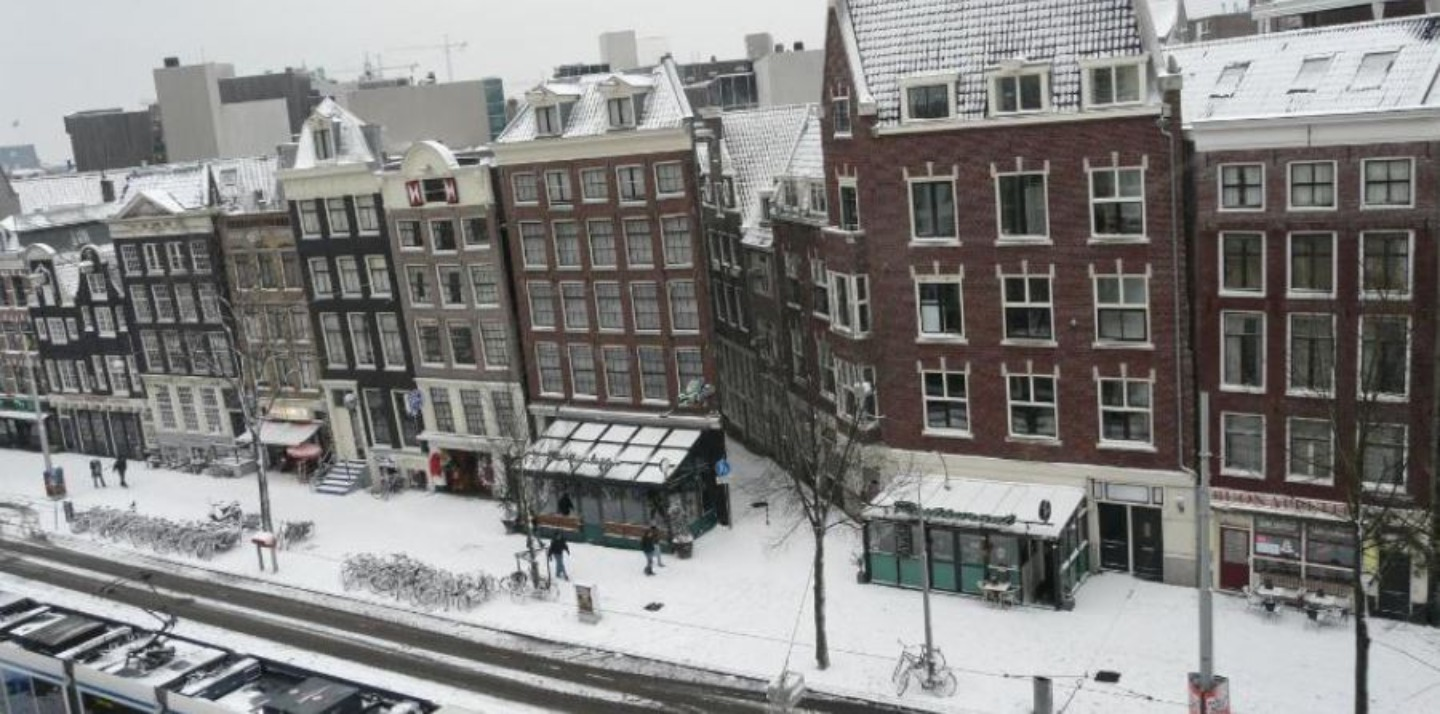 A building covered in snow at B&B &La vie en Rose&Amsterdam.