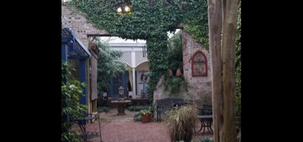 The Como Courtyard