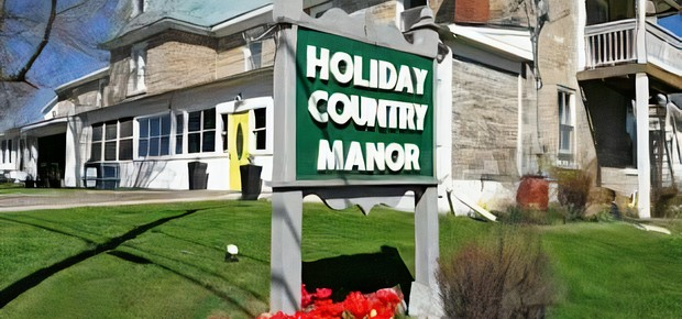 Holiday Country Manor