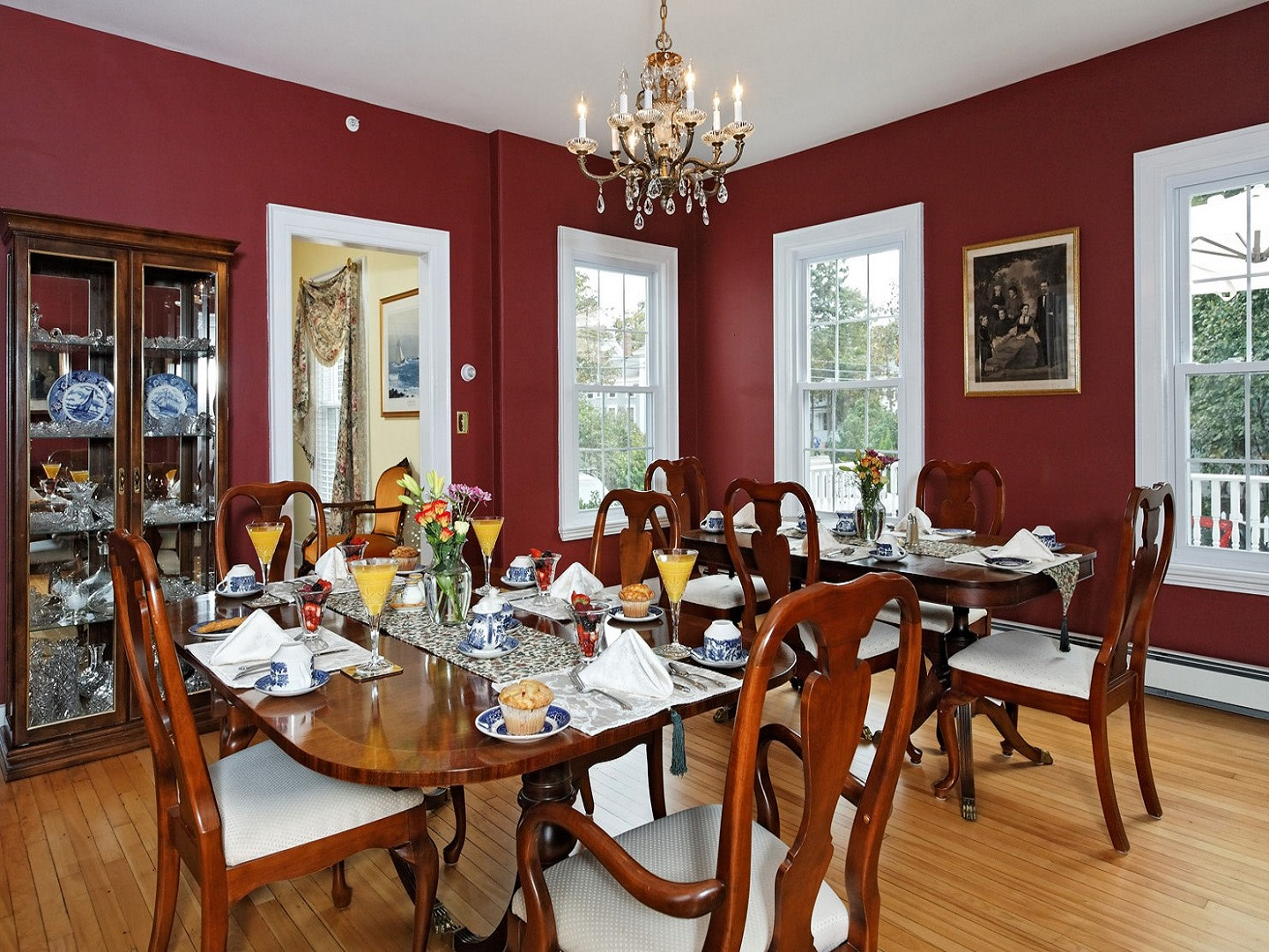 A dining room table at Kennebec Inn .