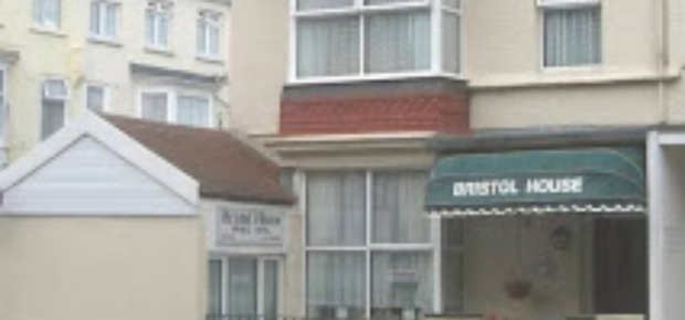 Garfield Rd, Paignton TQ4 6AU, UK Bed and Breakfast