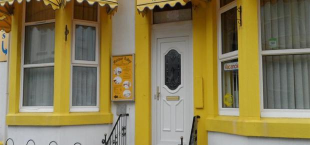 Charnley Rd, Blackpool FY1 4PE, UK Bed and Breakfast