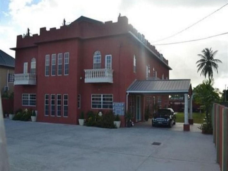 A large brick building at Montecristo Inn.