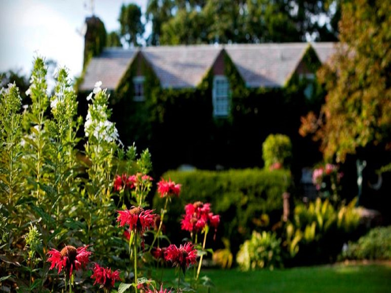 A close up of a flower garden at Morgan Samuels Inn.