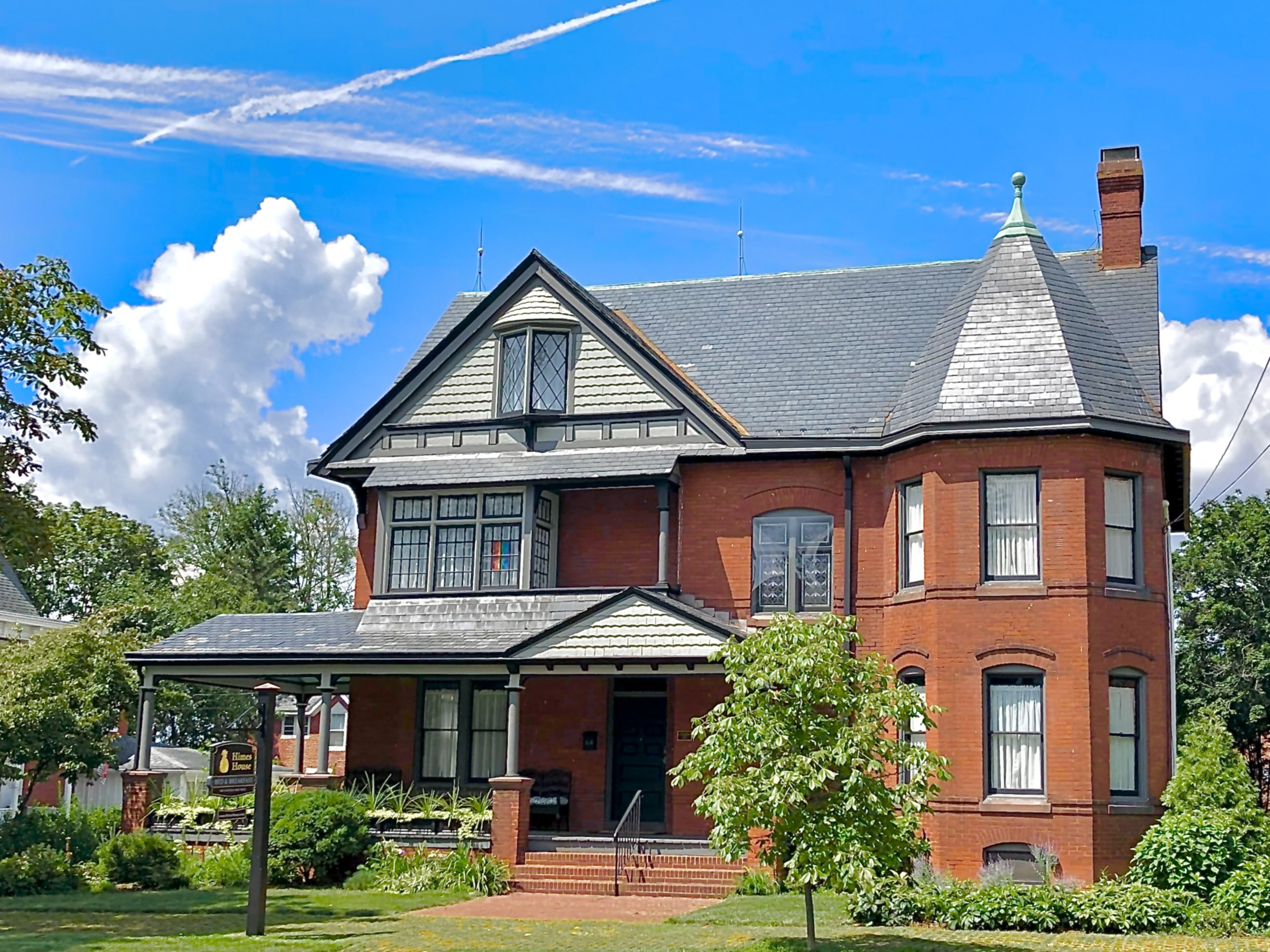 A large brick building at Himes House Bed & Breakfast.